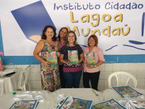 Equipe pedagógica do Instituto Cidadão Lagoa Mundaú e autora Claudia Lins