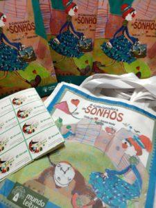 Livros comprados por Sincred Alagoas para comunidade escolar do Vergel