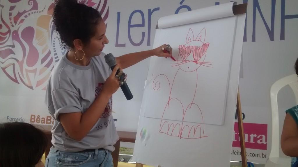 Ddaniela Aguilar ilustrou e respondeu perguntas das crianças